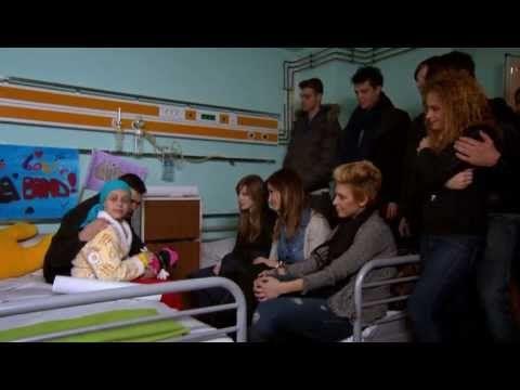Criss, in rolul Ancai si Vlad, in rolul lui Vlad canta piesa originala Crezi in tine, in episodul al treilea din sezonul al patrulea al serialului Pariu cu viata.  Muzica si text: Ionut Radu  http://www.facebook.com/pariucuviata http://pariucuviata.protv.ro/ http://www.facebook.com/lalaband http://lalaband.protv.ro/