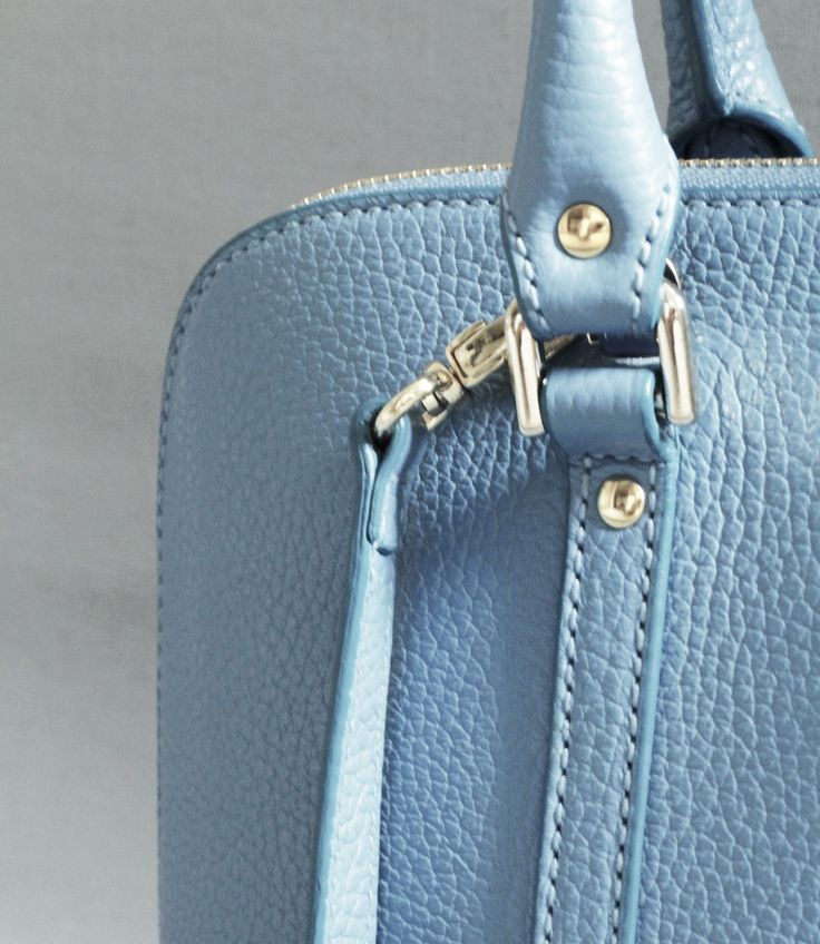 All FIFTH MAY products are 100 % Handmade in Italy, with the expertise of artisanal quality.