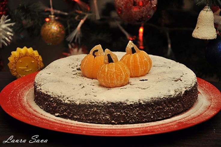 Tort de ciocolata neagra cu portocale