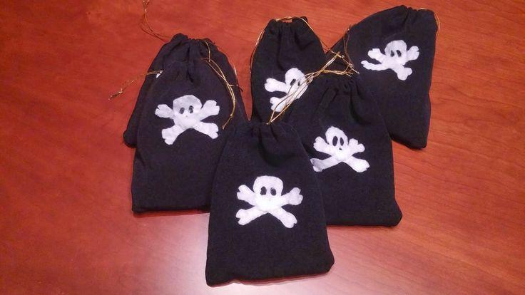 Piratas; Bolsa doblones de oro