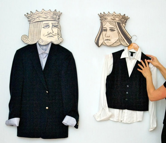 This is too fun to not repin! ^_^ King and Queen Hangers: King Queen, Idea, Unique Hook, Stuff, Queens, Queen Hooks, Diy, Queen Hangers