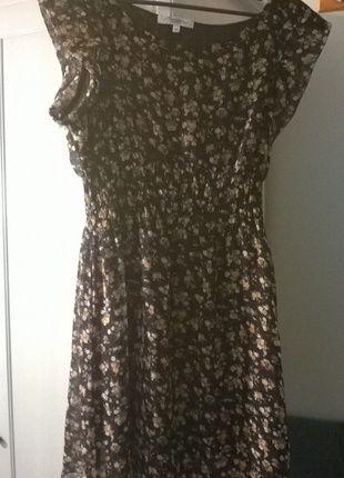Kup mój przedmiot na #vintedpl http://www.vinted.pl/damska-odziez/krotkie-sukienki/12380321-sukienka-atmosfere-w-kwiaty