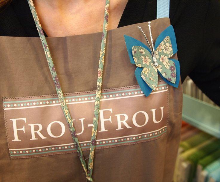 le blog couture frou frou mercerie contemporaine paris march saint pierre vitrines et. Black Bedroom Furniture Sets. Home Design Ideas