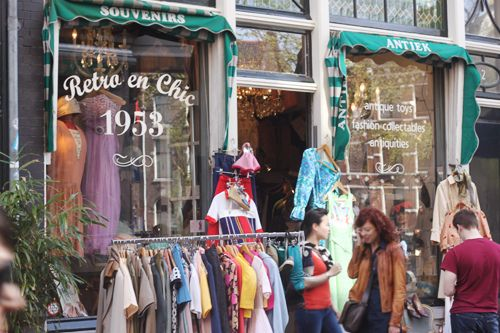 Amsterdam shopping guide #shopping #amsterdam…Wish I had this over the summer!