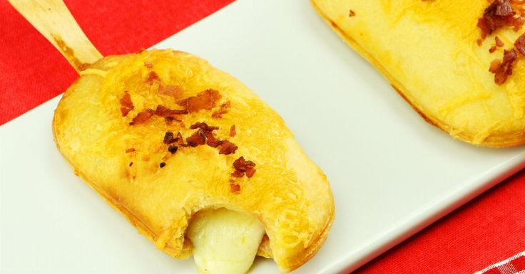 Pizza sticks, video recipe.  Looks easy altho I wouldn't bother with the sticks!!  Stuffed mini-pizzas