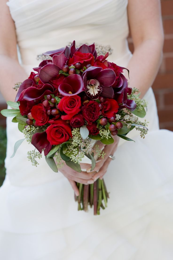 Wedding Flowers Roses And Lilies : Burgundy cymbidium orchid blooms red roses and calla