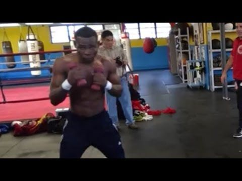 GUILLERMO RIGONDEAUX PUTTING IN WORK; IN PHENOMENAL SHAPE FOR MOISES FLORES CLASH https://www.youtube.com/watch?v=q-7e9Bc6hko