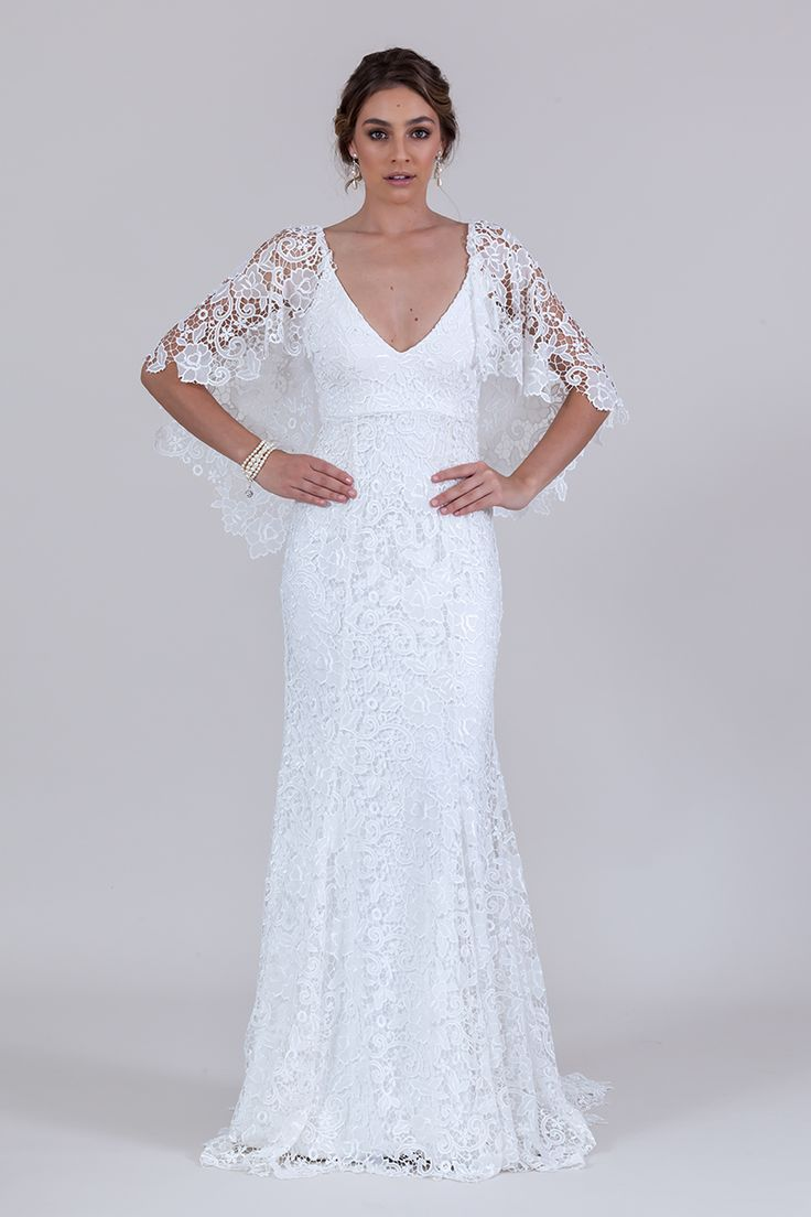 Charlie gown with lace sleeves (Ivory)