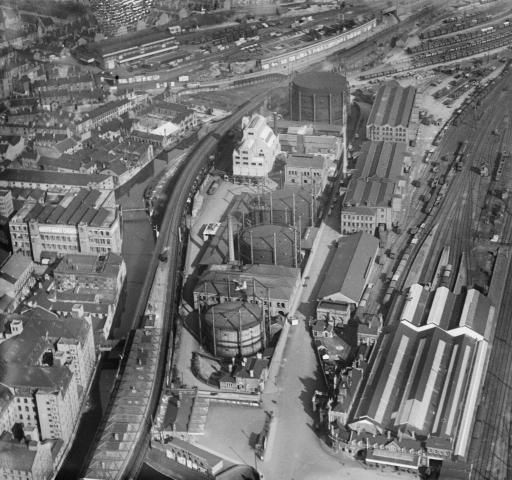 London Road Station and the Eastcroft Gas Works, Nottingham, 1935.