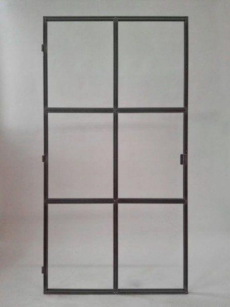 Türe aus Stahl und Glas im Loft Charakter