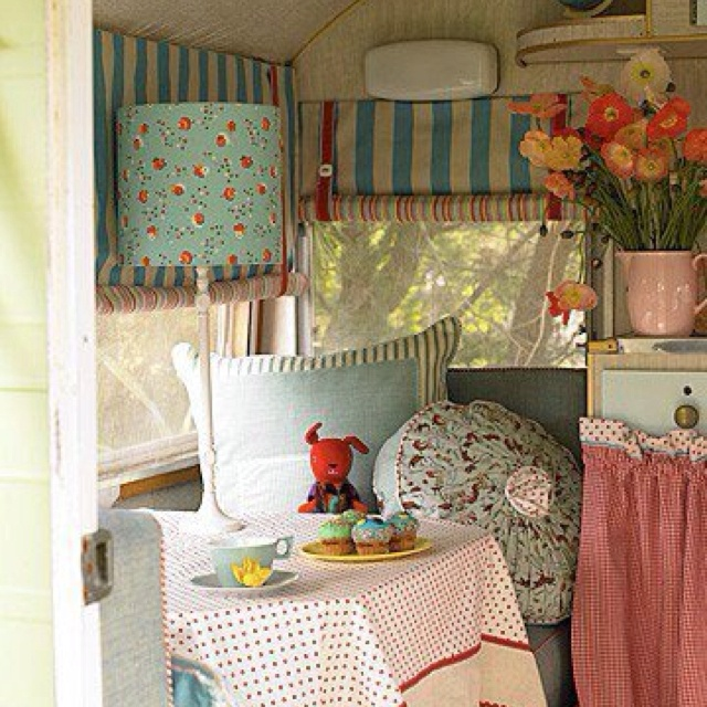 Best Vintage CampersTrailers Images On Pinterest Vintage - Old shabby trailer gets one hell makeover