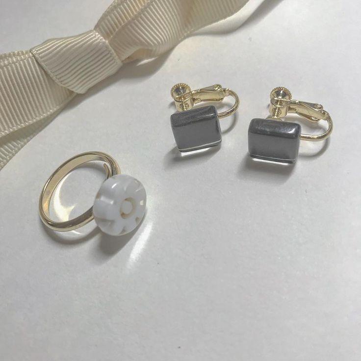 メトロノーム/米津玄師  ものすごく可愛い  京都のかわいいお店で購入  リングはお店その場で好きな指に合わせて調節してくださいました  リング 1000yentax イヤリング 800yentax  タグ付けさせていただいていますオススメです   #アクセサリー  #おしゃれさんと繋がりたい  #可愛い  #オシャレ  #おしゃれ  #ring  #accessory  # #イヤリング  #earring  #earrings  #fingerlings  #instagram  #instafun  #good #シニフェ #京都