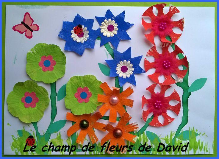 Champ de fleurs réalisé avec des petites caissettes en papier (2)