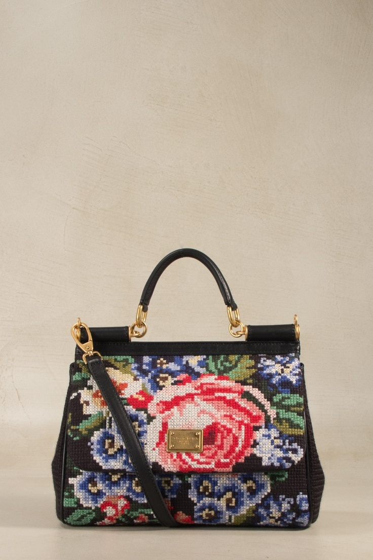 Dolce & Gabbana Bags @gebnegozionline! https://www.youtube.com/watch?v=_m5eH2CqNJ0