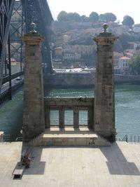 HELDER BARROS: Cidade do Porto - A Ponte Pênsil, originalmente denominada Ponte D. Maria II, era uma ponte suspensa que ligava as duas margens do Rio Douro, entre a cidade do Porto e Vila Nova de Gaia, em Portugal!