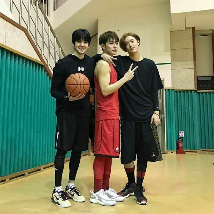 Pin By Mal Sawmzual On Ullzang Boy Basketball Players Boys Basketball Boy Squad
