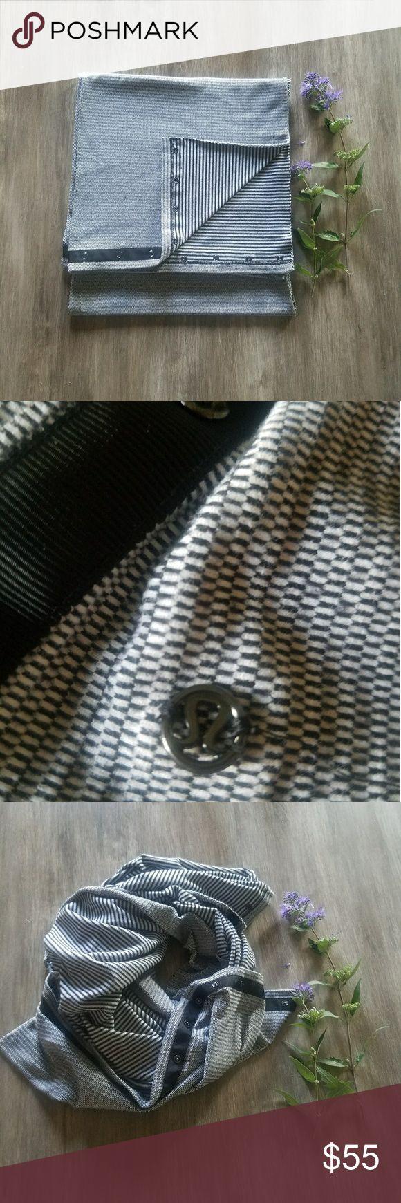 💖FINAL SALE💖 lululemon  scarf.🍋 Black and white lululemon button up scarf. lululemon athletica Accessories Scarves & Wraps