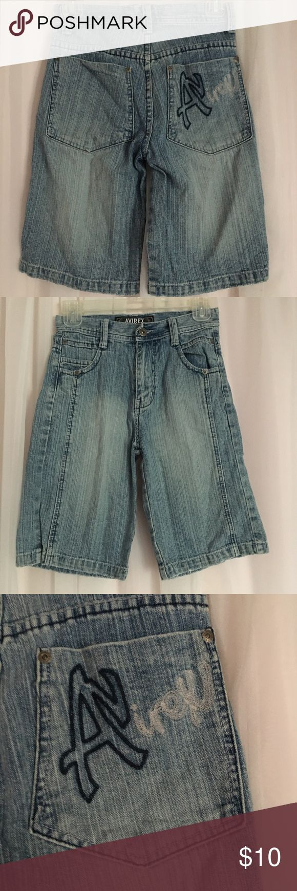 Avirex Boys Denim Blue Shorts Size 10 boys  Pre owned in great condition  waist- 12.5 inches length- 19 inches inseam- 10 inches  100% cotton Avirex Bottoms Shorts