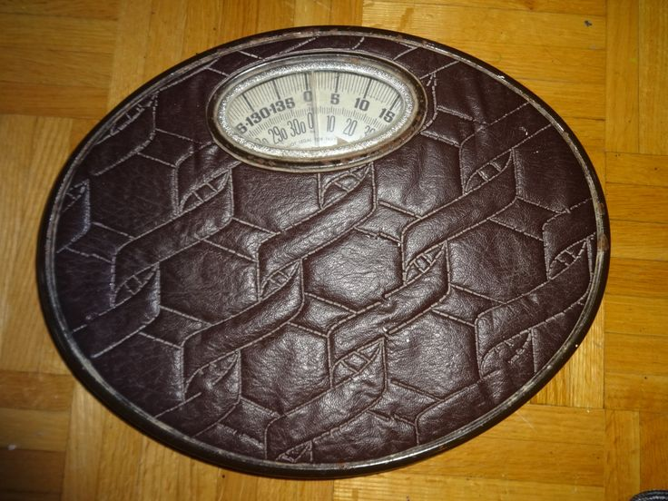 MIDCENTURY Bathroom Weigh Scale Padded Plastic top Metal Under - Works great! by RetroAlleyOakville on Etsy
