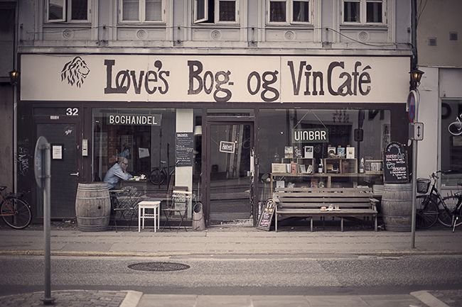 Løve's Bog- og VinCafé