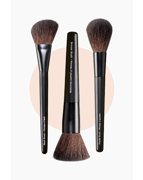 Makeup Brush Guide: Learn about what #Avon #makeup brushes are best to use to apply your favorite makeup products at https://www.avon.com/makeup-brush-guide?rep=jantunes| Avon #beautytools #howto #makeupguide