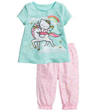 Kaksiosainen pyjama (koko 110/116cm) 8,-