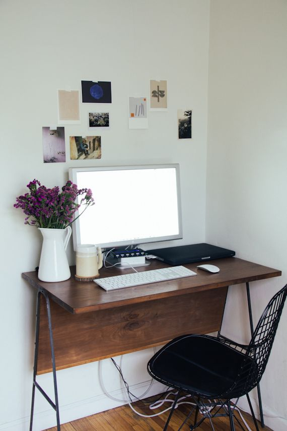 Top 25 ideas about small desk space on pinterest small office spaces small office desk and - Small desk space pict ...