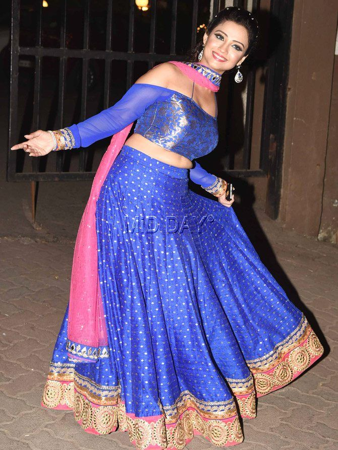 Adaa Khan seems to be in a playful mood at a Diwali party in Bandra. #Bollywood #Fashion #Style #Beauty #Hot #Sexy #Ethnic