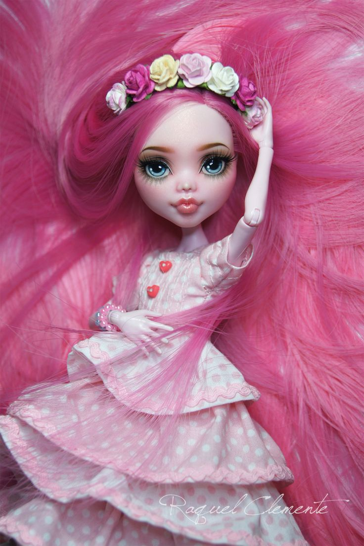 """Exclusive Spring Draculaura for the """"Dolls Garden Party"""" on June 6th in France. She will be available in the raffle of the event ^__^. I hope that ye may go and participate. I leave the link to the Dolls Garden Party Facebook where you can inform about everything and ask if you have any doubts. I'm sure it will be a great day! <3https://www.facebook.com/pages/Dolls-Garden-Party/337000946463770https://dollsgardenparty.wordpress.com/Thank you for reading…"""