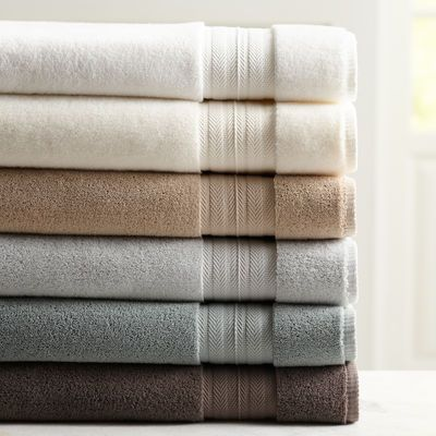 Lusciously absorbent, our Luxe Bath Towel is made of 100% Egyptian cotton, which has extra-long fibers, resulting in a strong, dense fabric. With zero-twist yarns, it has 700 grams per square meter (GSM) weight, giving it an ultra-soft, plush feel. Yes, Luxe is synonymous with luxury in this Pier 1 exclusive.