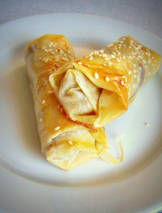 Egyszerű, mégis különleges - fasírozott elegánsan.Hozzávalók (16 rúdhoz):70 dkg darált hús1 fej lila hagyma 20 dkg feta (vagy feta jellegű) sajt2...