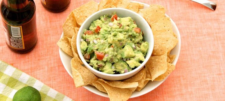 Stop Everything! Chipotle Has Released Its Guacamole Recipe  #refinery29  http://www.refinery29.com/2015/05/86800/chipotle-guacamole-recipe