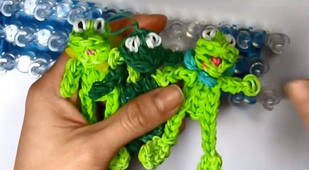 Rainbow Loom band charms   KERMIT the FROG Charm  Muppets  - YouTube If your child has mastered the art of loom band bracelet making, and wants to try something a little more complex, here are some fabulous tutorials on how to make some character loom band charms. #loombands