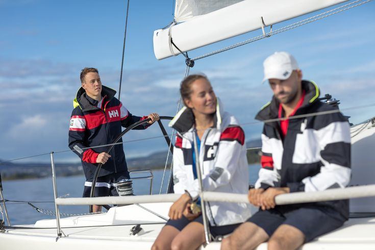 Helly Hansen is designed from the insights of professional sailors around the world, with specific sailing activities and weather conditions in mind.  Gear up here: https://mallofnorway.com/helly-hansen-as