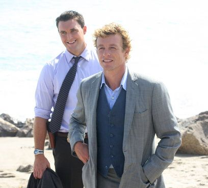 Simon Baker as Patrick Jane and Owain Yeoman as Wayne Rigsby in The Mentalist.