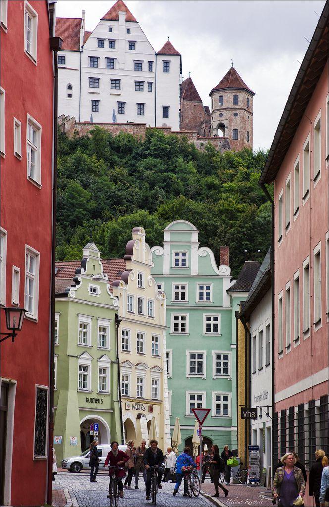 Landshut: Burg Trausnitz über der Altstadt de.wikipedia.org/wiki/Landshut