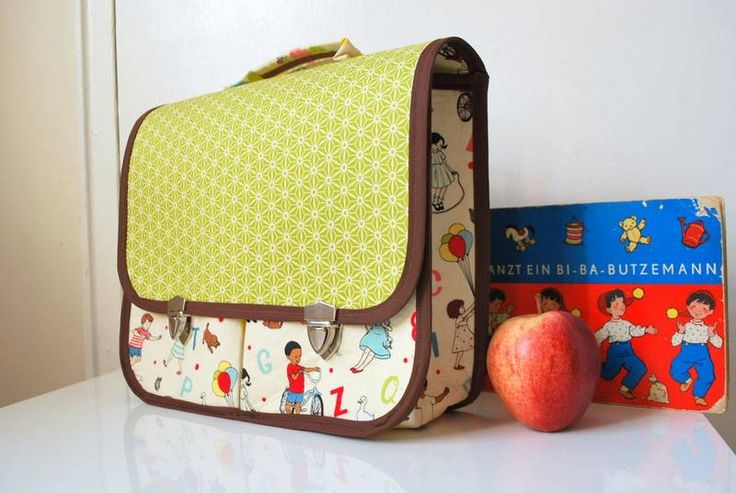 Vintage-inspired, boxy school bag tutorial - LOVE!!  (by Hannah from Sew Adorable Fabrics)