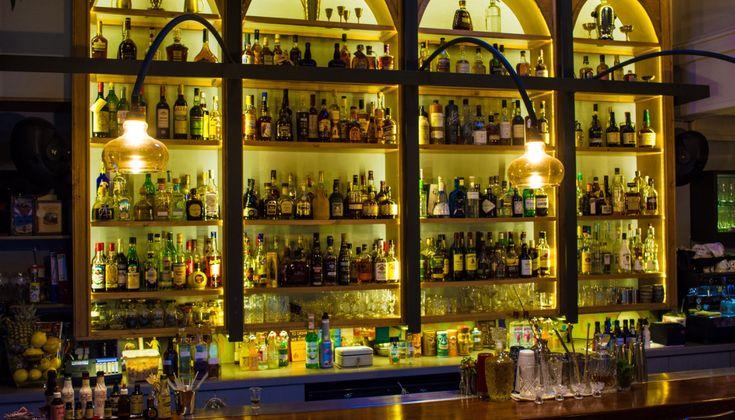 Η εικόνα των bar της επαρχίας αλλάζει σιγά σιγά και με τη λέξη «εικόνα» επιθυμώ να τονίσω την ουσία και όχι τη διακόσμηση που σε πολλά από αυτά ήταν ήδη «εκτυφλωτική»