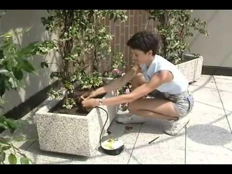 Irrigazione a goccia per piante in vaso sul terrazzo - SELF - Tutto il mondo del fai da te