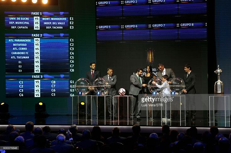 Farid Mondragon takes a ball from the raffle during the during the Copa Libertadores 2017 Official Draw at Conmebol Convention Center on December 21, 2016 in Luque, Paraguay.