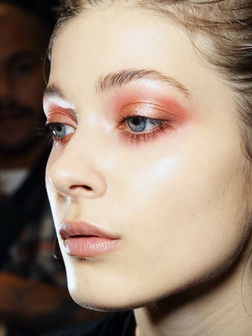 Spice up your Spring and Summer makeup game with bright peaches and loads of shine.