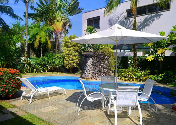 25 melhores ideias sobre paisagismo ao redor da piscina for Plantas para piscinas