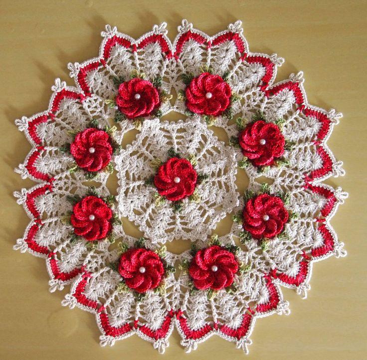 OS CROCHES DA ELSA: Idéias para o Natal 10 - Centro de Mesa com Flor Crista de Galo