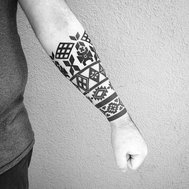 @anahi_blekk Mapuche inspired bracelet #ttt #tattooing #tattoo #contemporarytattooing #tatouage #inked #bodyart #TTTpublishing #mapuche