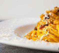 Bigoli in Salsa - la Cucina Veneta - a famous recipe of Veneto cuisine.