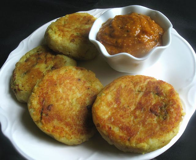 Potato Patties Stuffed with Spiced Mushrooms and Green Peas - a perfect appetizer or light meal