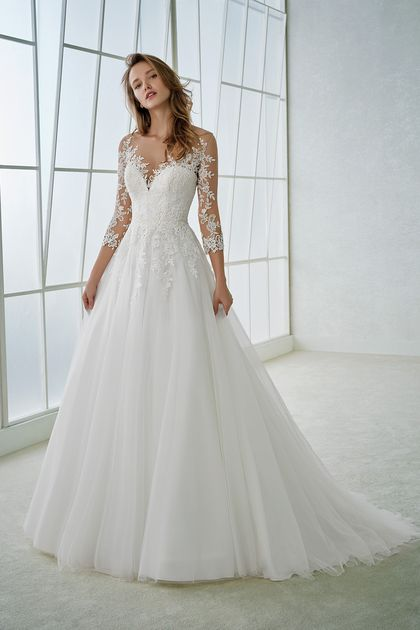 2018 A Line Scoop 3/4 Length Sleeve Tulle With Applique Wedding Dresses US$ 239….