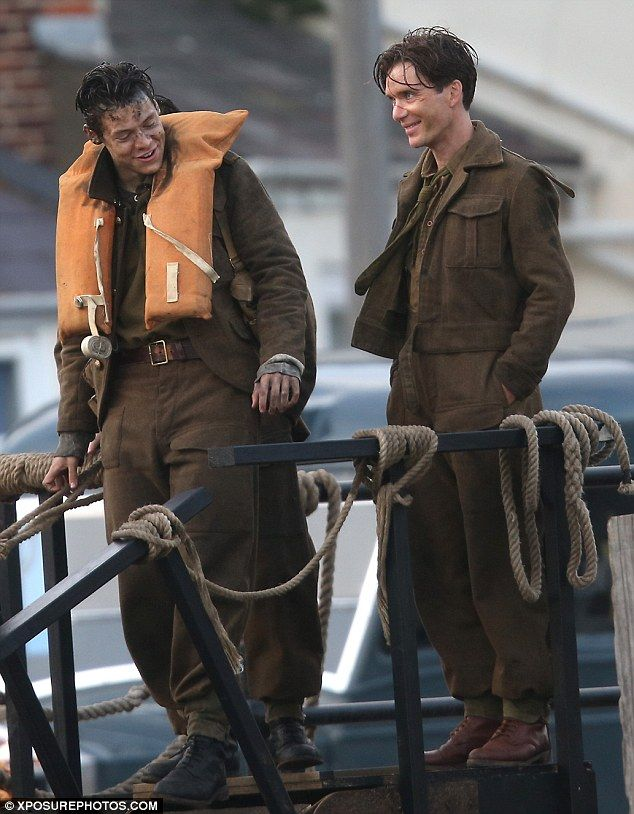 Showing him the ropes? It looked as though Cillian Murphy was sharing some acting tips wit...