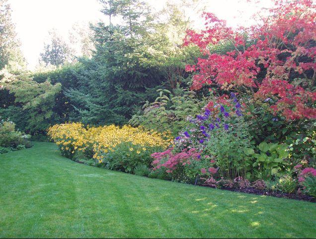 beautiful way to tackle a sloped yard traditional landscapecontemporary landscapelandscape designsflower bedsflower - Flower Garden Ideas Sloping