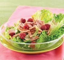Salade frisée au bacon de dos et framboises